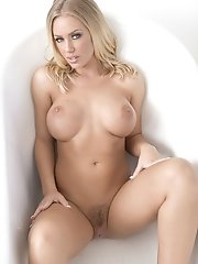Nicole Aniston caresses her body and fucks her pussy